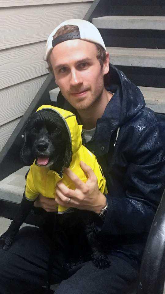 Hampus Schäring, 29, med hunden Sam