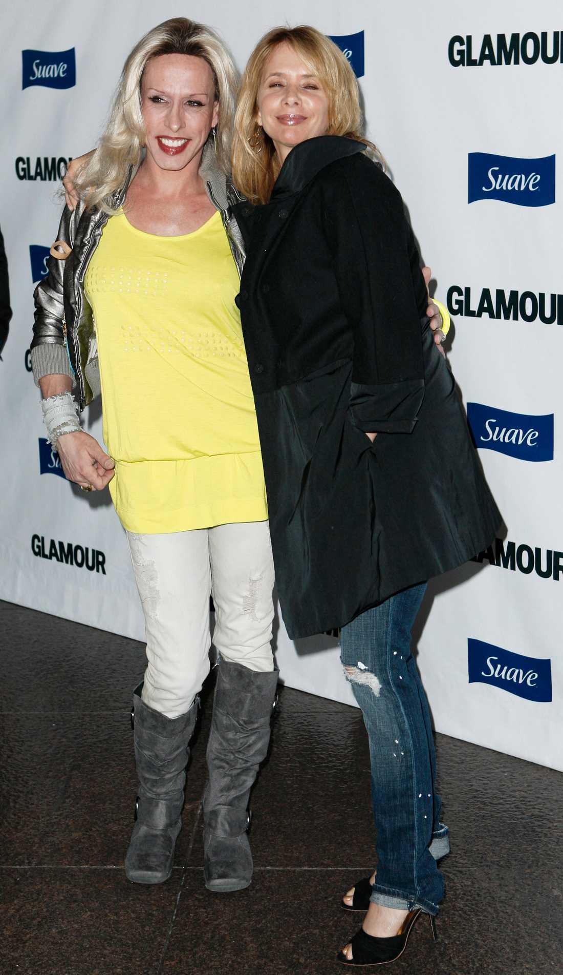 Alexis Arquette, vänster och Rosanna Arquette, höger