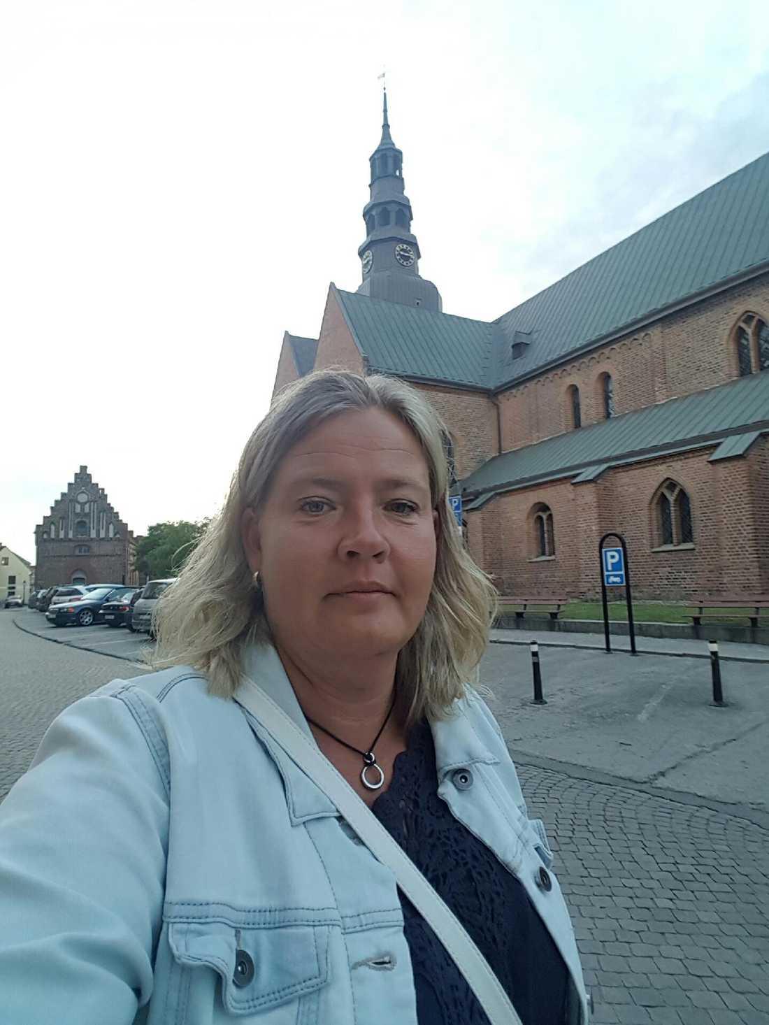 Ulrika Andersson hann precis fotografera attacken