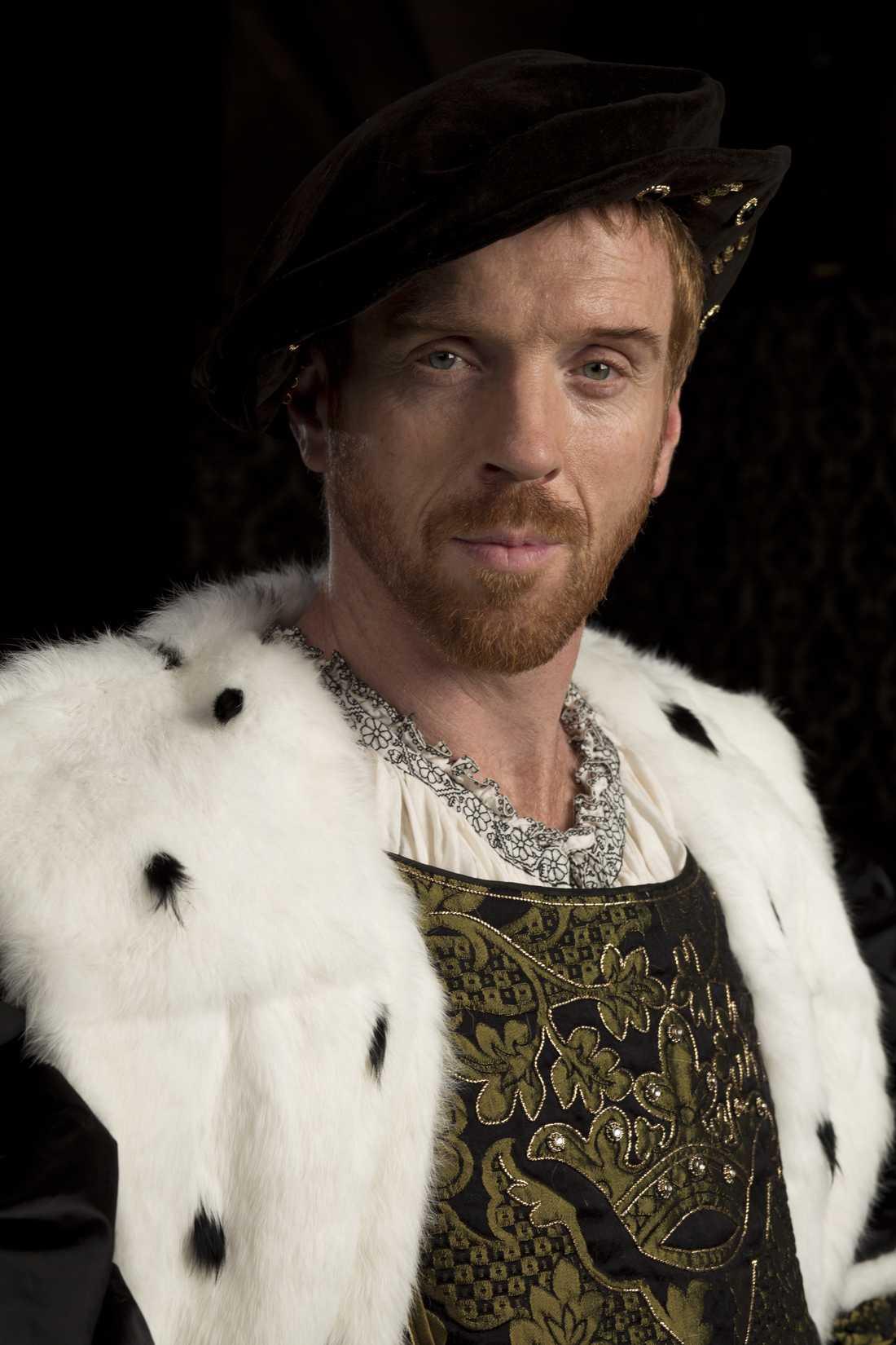 "I serien ""Wolf Hall"", som visas i SVT, spelar Damian Lewis kung Henrik VIII."