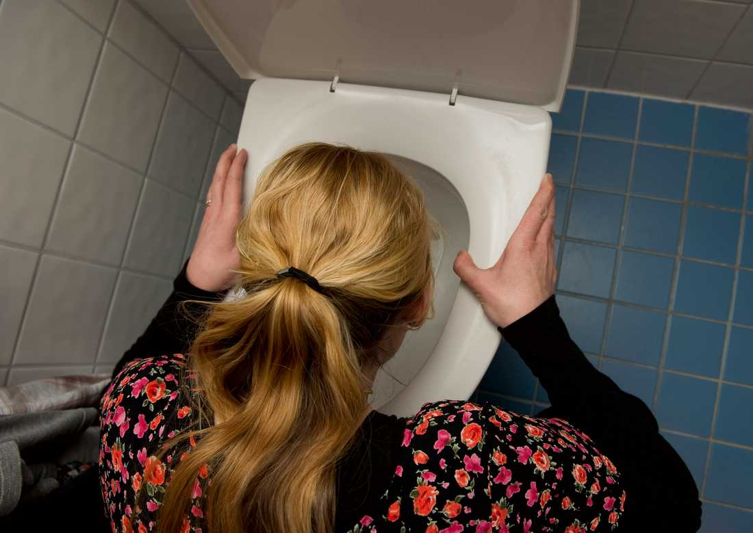 Fler får titta djupt i toalettstolen. Arkivbild.