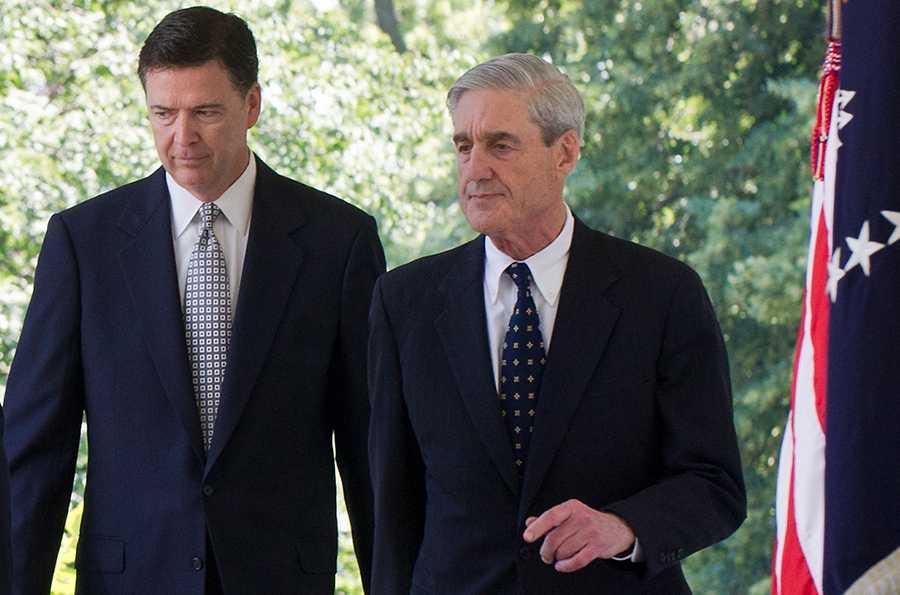 Sparkade FBI-chefen James Comey och specialåklagare Robert Muller.