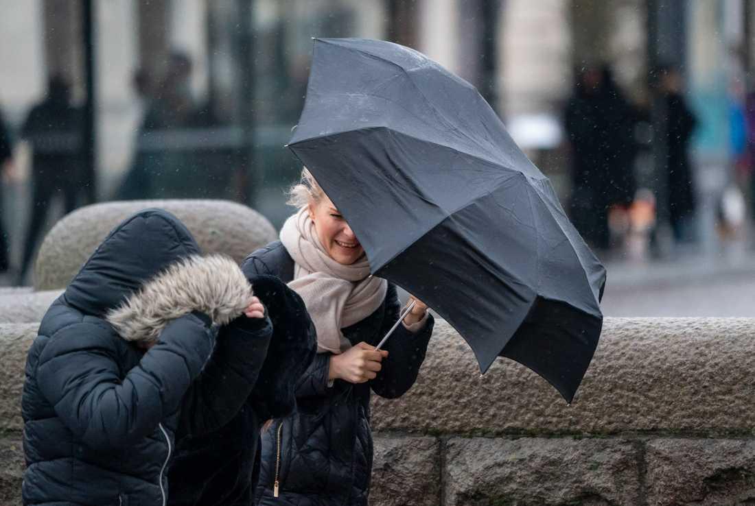 Det fortsätter att blåsa i helgen, enligt SMHI:s prognos.