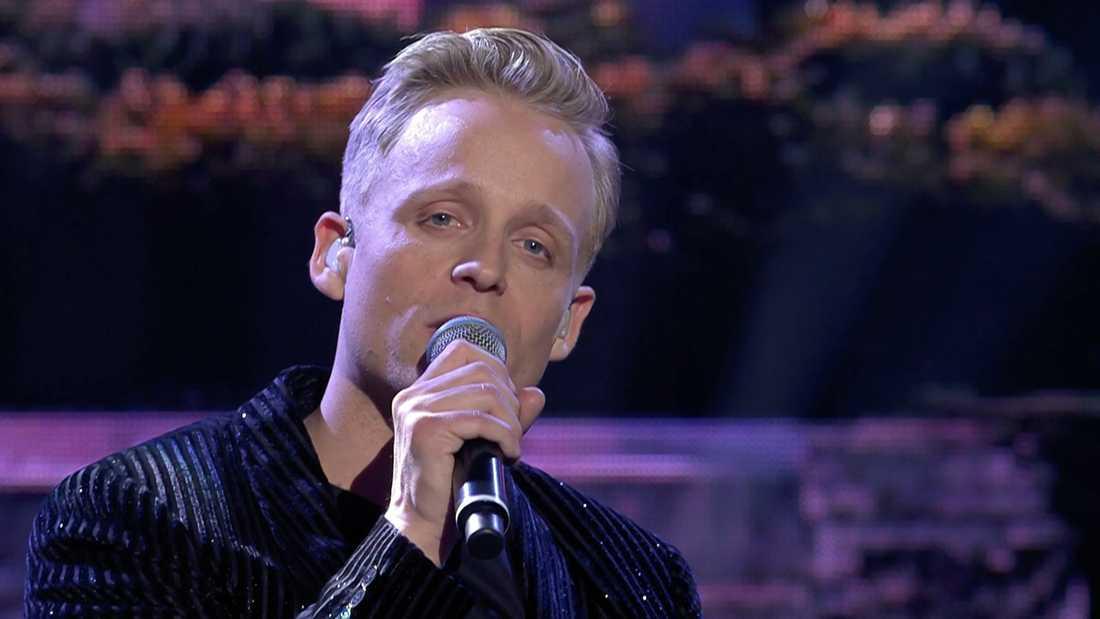 """Andreas Weise sjunger """"She"""" i finalen av """"Stjärnornas stjärna""""."""