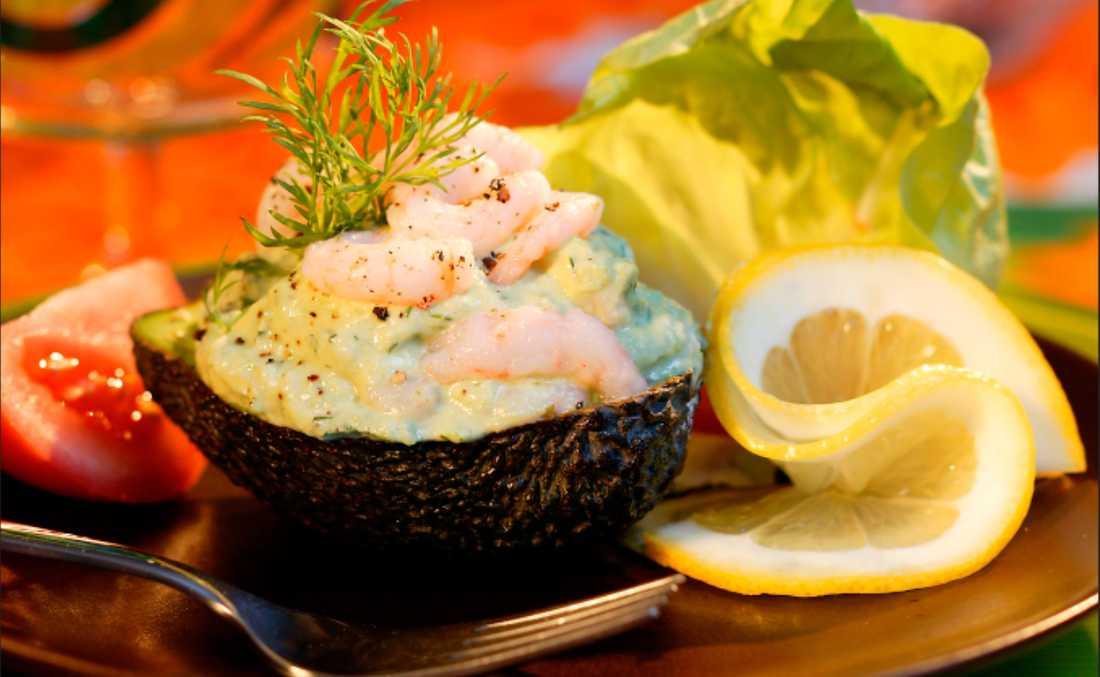Fylld avokado – enkel och god förrätt.