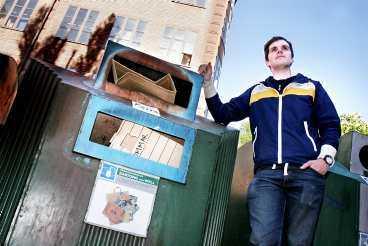 sopigt Radioprofilen Kjell Eriksson är bara en av många stockholmare som fått nog av skräpet. Nu uppmanar han till uppror – för en renare stad.