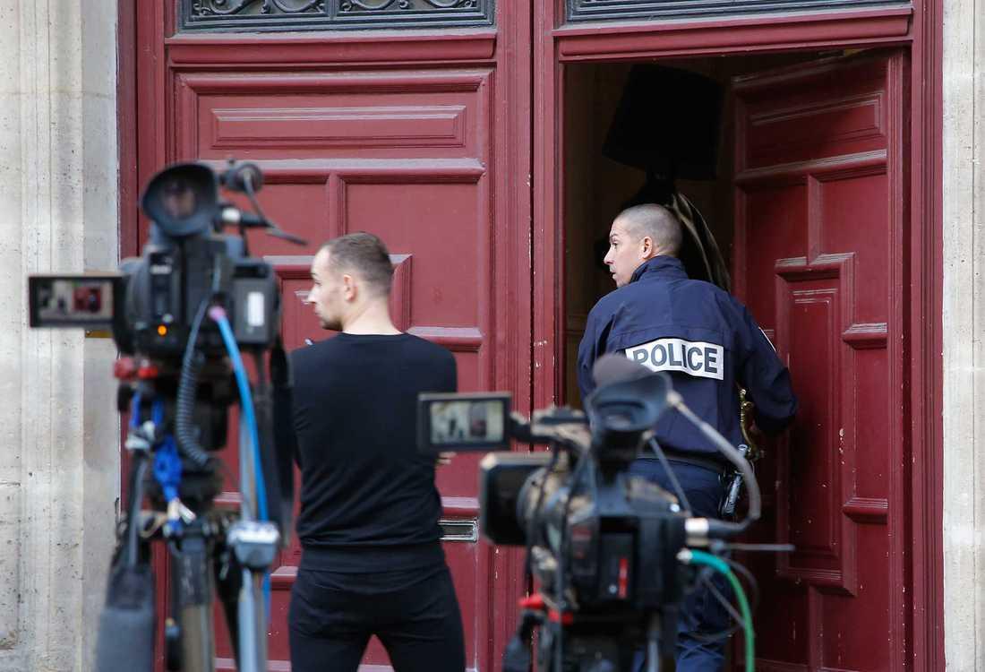 I Paris fortsätter fransk polis att utreda attacken mot Kim Kardashian.