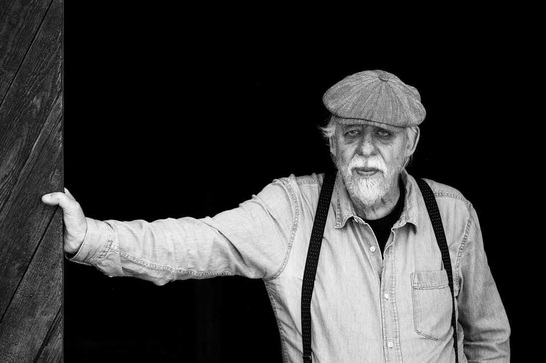 """Thomas Tidholm (född 1943) är aktuell med """"Jordlöparens bok""""."""