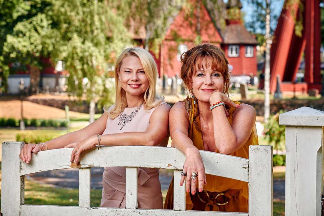 """Colin Nutleys """"Bröllop, begravning och dop"""" med Helena Bergström och Maria Lundqvist lockade en stor publik att bli kunder hos C More. Pressbild."""