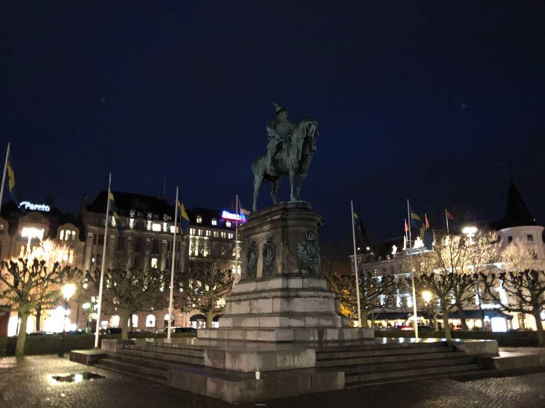 Karl X Gustav har stått i Malmö i över 120 år - och ser ut att bli kvar.