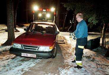 Den civila polisbilen hittades efter en kvart.