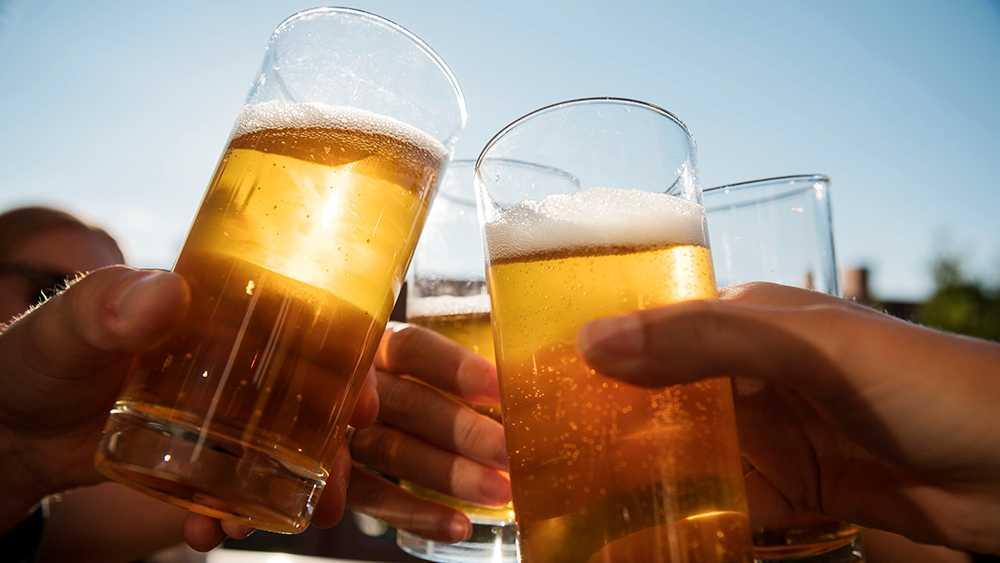 Dricker du mer under sommarmånaderna?