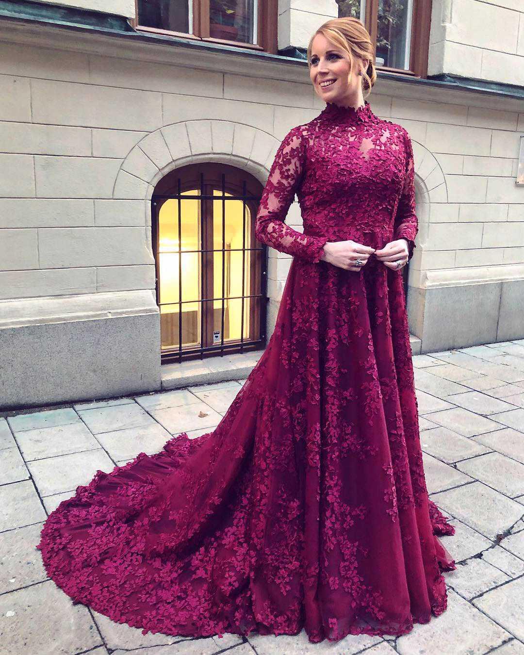 Annie Lööfs klänning på Nobelfesten förra året bestod av 14 meter spets och 30 meter tyll.