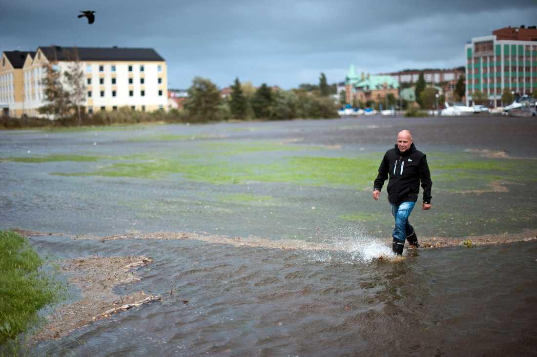 Det kraftiga regnet orsakade stora vattenmassor i Göteborgsområdet.