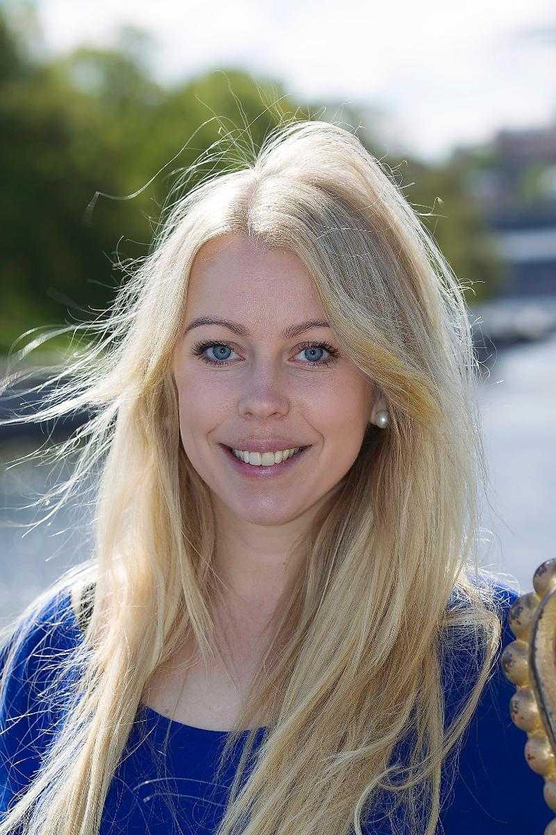 Johanna Lejon, hovreporter på Svensk Damtidning.