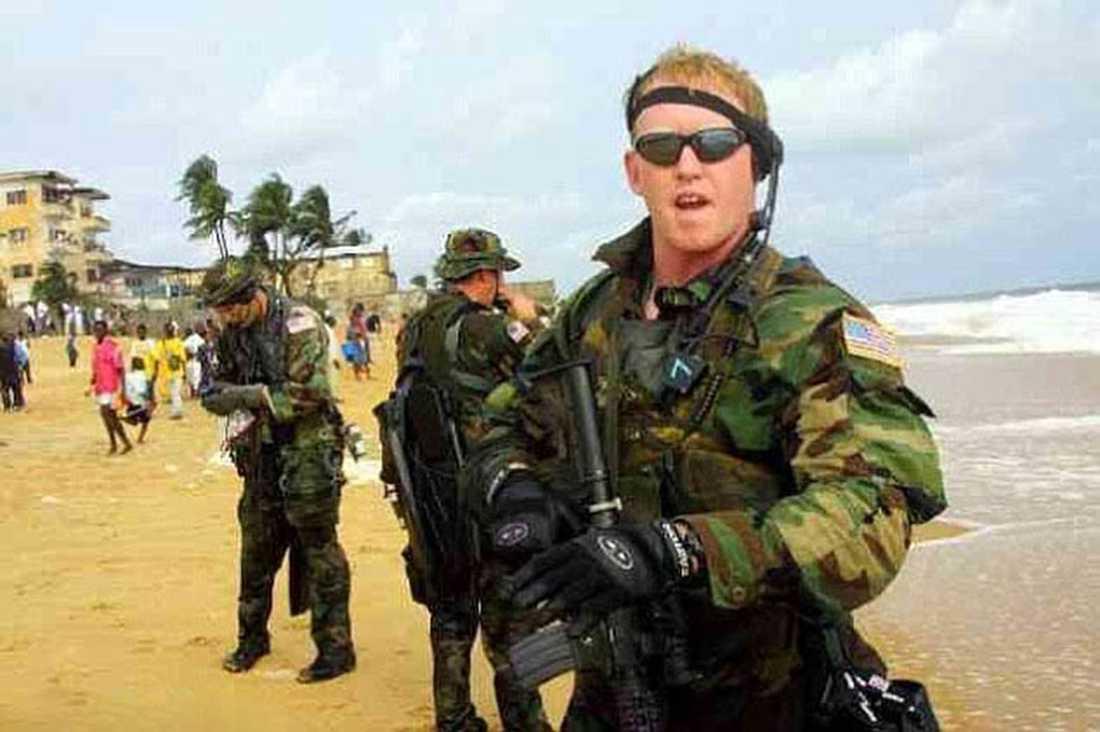 Navy Seal-soldaten Rob O'Neil träder fram och berättar att det var han som dödade al-Qaidaledaren Usama bin Ladin.