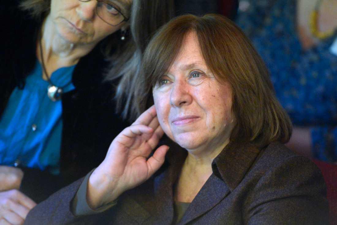 """Nobelpristagaren i litteratur Svetlana Aleksijevitj stannar kvar i Berlin tills Aleksandr Lukasjenko """"är borta"""" berättar hon för Der Spiegel. Arkivbild."""