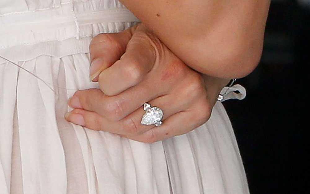 Jessica Michibatas förlovningsring