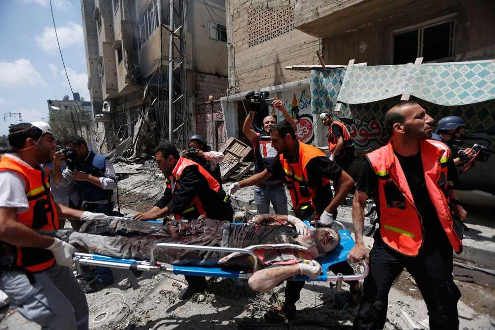 Söndagen den 20 juli blir den blodigaste dagen i Gaza på fem år. Över 100 människor mister livet.