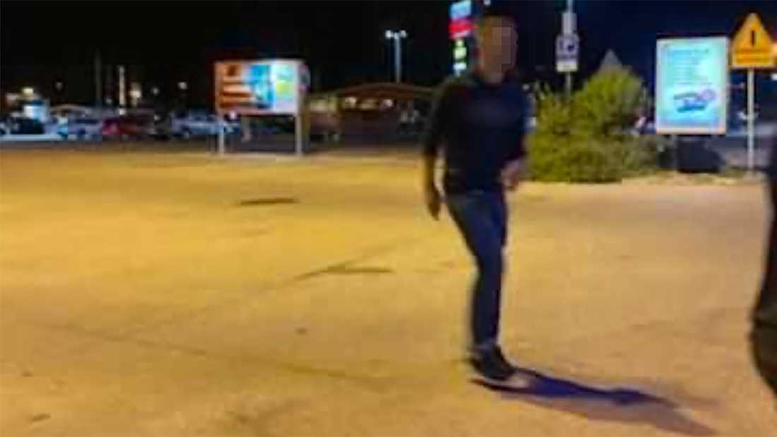 Elina lyckades fotografera gärningsmannen samtidigt som hon tog upp jakten på honom. Bilderna har sedan använts i polisutredningen.