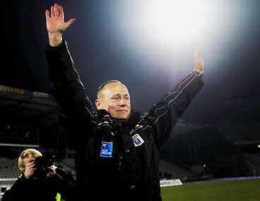 """SEGER-SØREN Sören Åleby behövde bara en match för att lyfta danska krislaget AGF Århus. Seger med 3-1 i går. """"Det var viktiga poäng att ta"""", säger Åkeby efter succéstarten."""