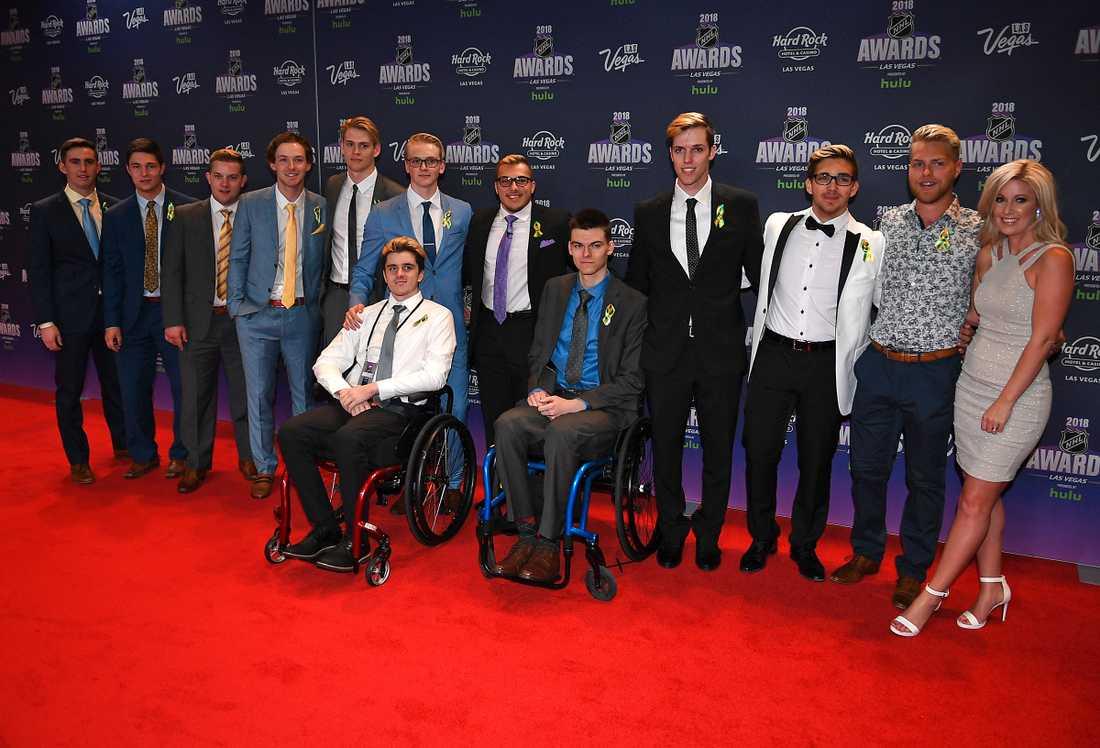 Överlevare i Humboldt Broncos, hockeylaget som förlorade flera spelare och ledare i en tragisk bussolycka i våras, fanns på plats vid NHL Awards-galan.
