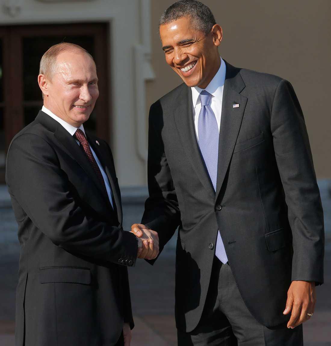Valdimir Putin och Barack Obama har sandlådekrig.