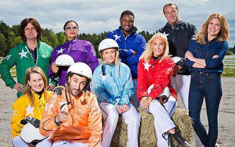 """Så här såg deltagarna ut i TV4-programmet """"Stjärnkusken"""" i fjol, programledare var Jessica Almenäs"""
