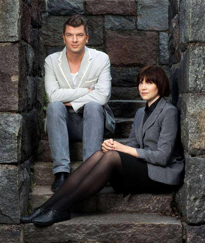 """par i fantasy  Mats Strandberg (född 1976) och Sara Bergmark Elfgren (född 1980) rosades av kritikerna för """"Cirkeln"""". Nu kommer del 2 i fantasytrilogin.Foto"""