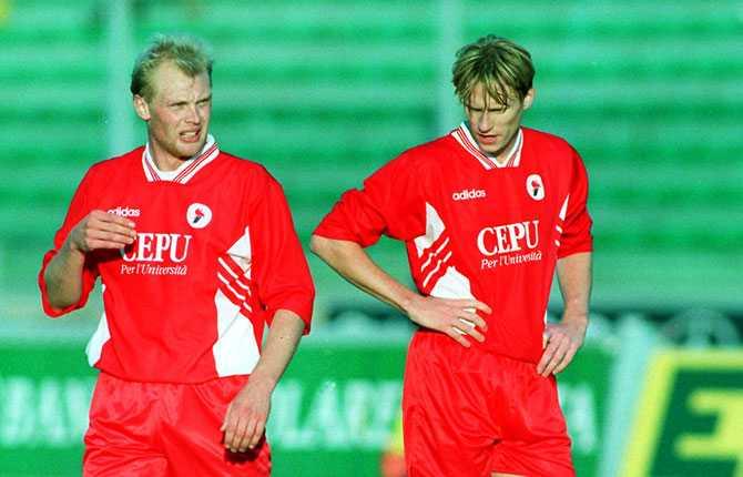 Tillsammans med Kennet Andersson gjorde Klas en sejour i italienska AS Bari, där han spelade 1996-1998.