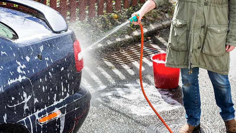 Fel – inte tvätta på gatan!