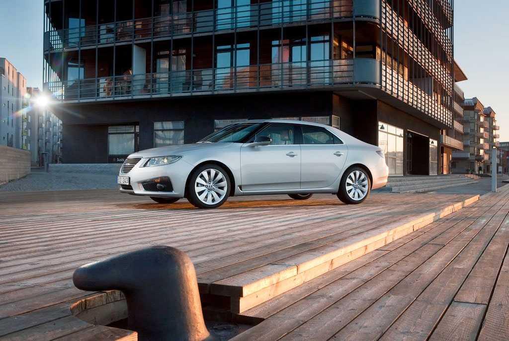 Den sista generationen av modellen 9-5 innan Saab gick i konkurs. Endast en sedanmodell typgodkändes, men det byggdes även ett par kombibilar.