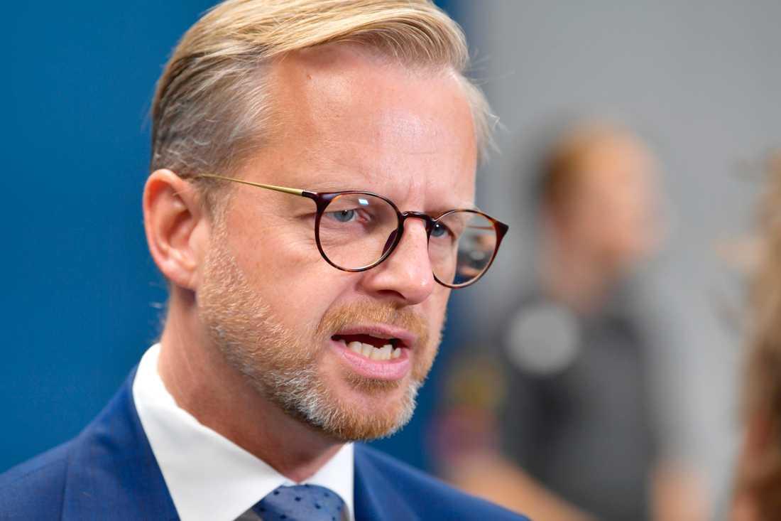 Inrikesminister Mikael Damberg (S). Bild från tidigare i augusti.