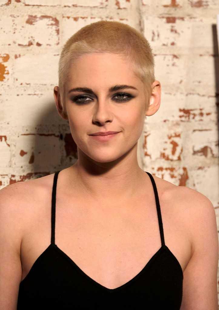Kristen Stewart rockar en ny het look.