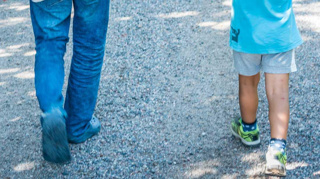 Fem barn har hållits helt isolerade från omvärlden av sina föräldrar, enligt socialtjänsten i Ystad. Barnen på bilden har inget med texten att göra. Arkivbild.
