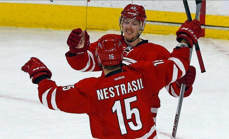 Joakim Nordström firar med lagkamraten Andrej Nestrasil.