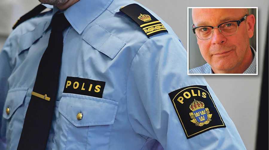 Statistik visar att ett närmast obefintligt antal av brottsanmälningar mot poliser och åklagare utreds och leder till åtal, skriver Torgny Jönsson. Polisen på bilden har inte med texten att göra.
