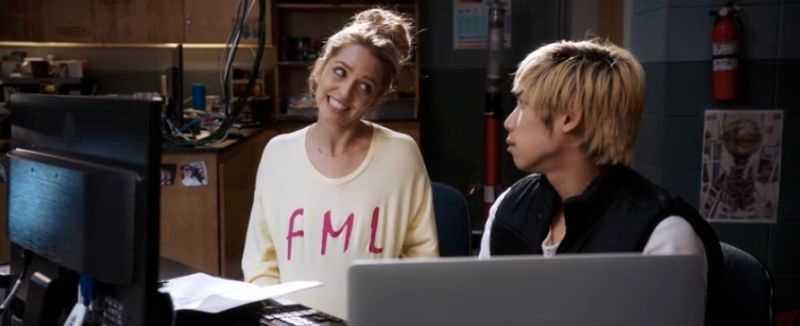 "Jessica Rothe och Phi Vu i ""Happy death day 2U""."