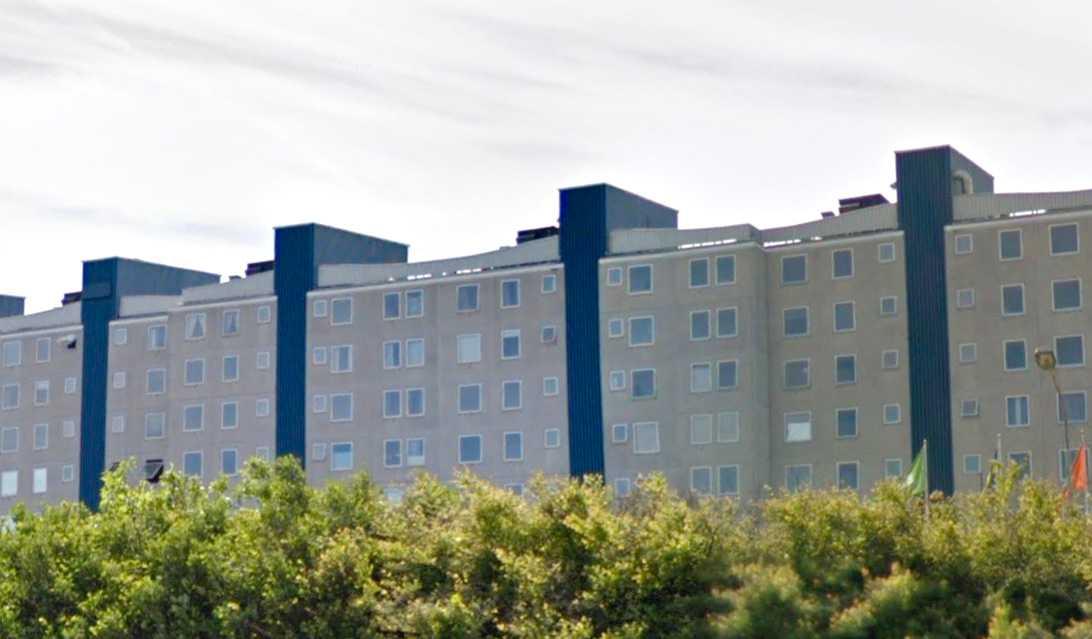 KInesiska muren, en av de skandalomsusade fastigheter som Malmö stad fortsätter hyra dyra akutboenden av.