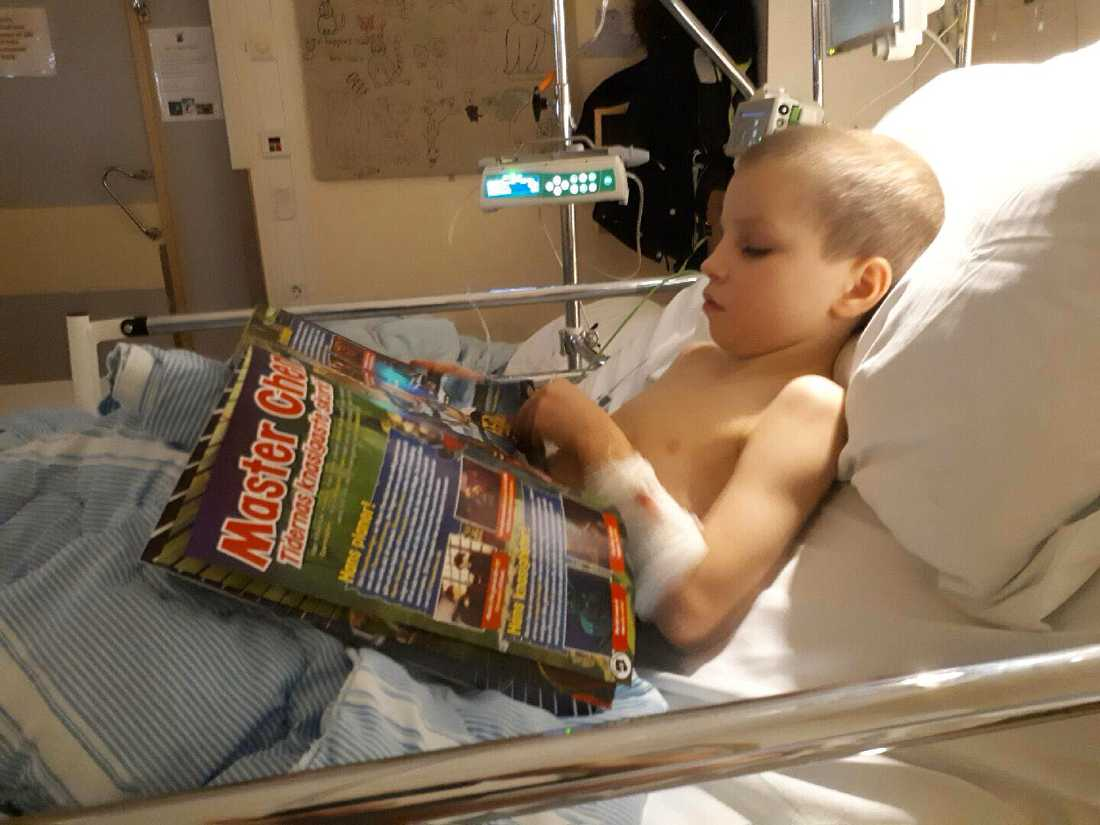 Loke fick ligga kvar på sjukhus över julafton.