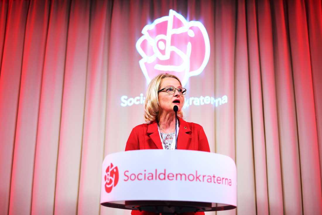 Heléne Fritzon talar på Socialdemokraternas valvaka.