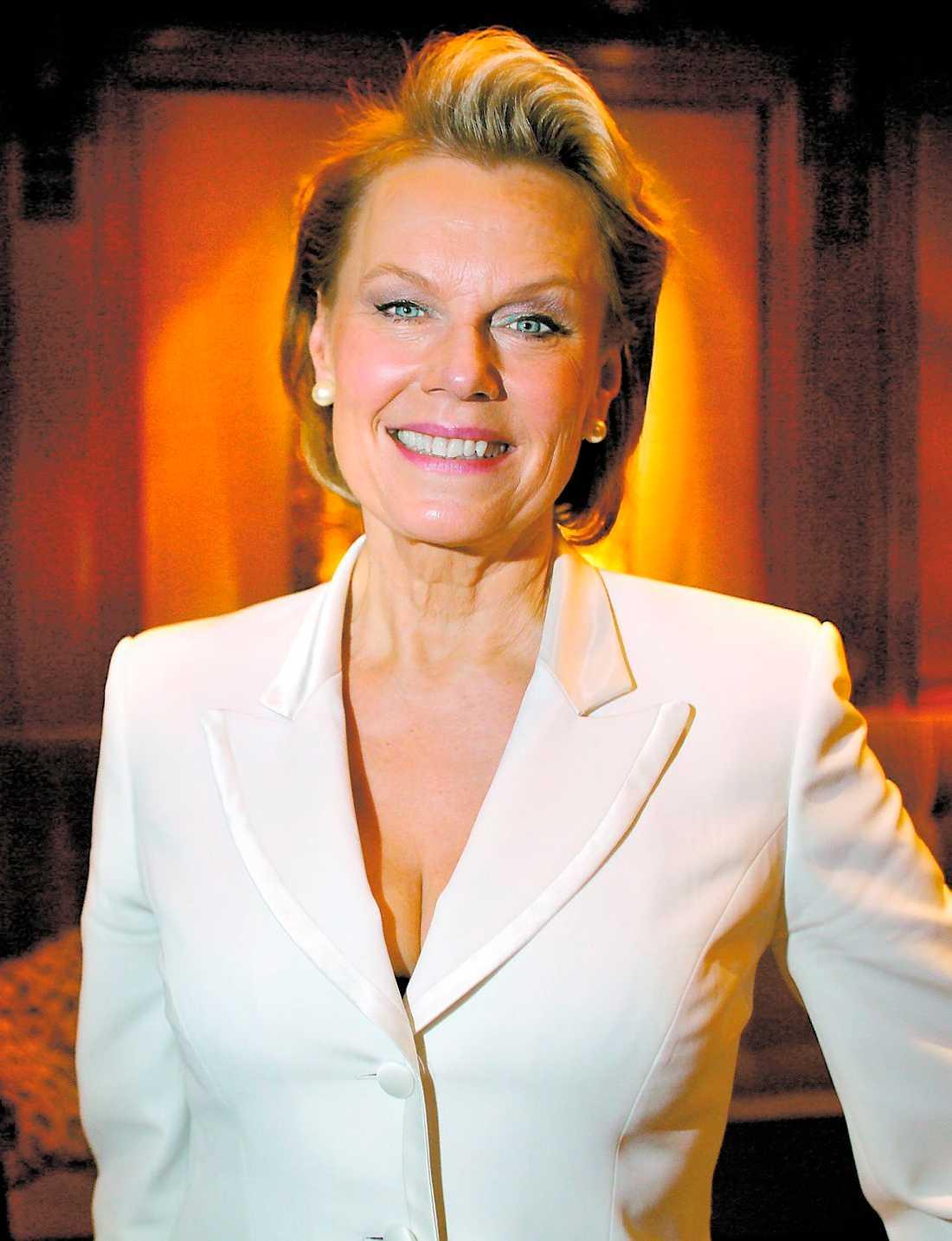 """BAD förgäves Arja Saijonmaa försökte utan att få gehör övertala SVT att inte visa inslaget när hon gråter i """"Stjärnorna på slottet""""."""