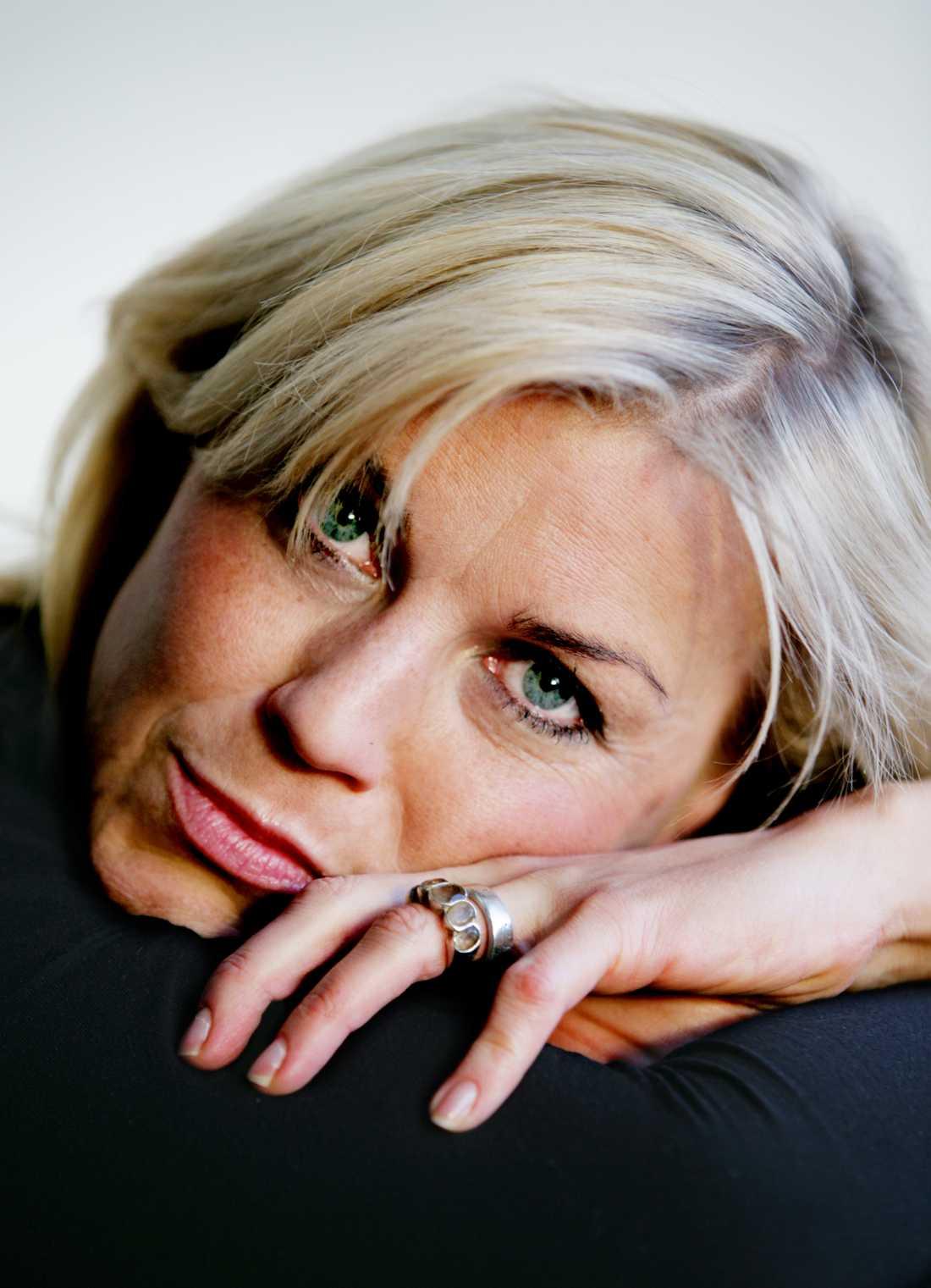 Josefin Nilsson blev 46 år.