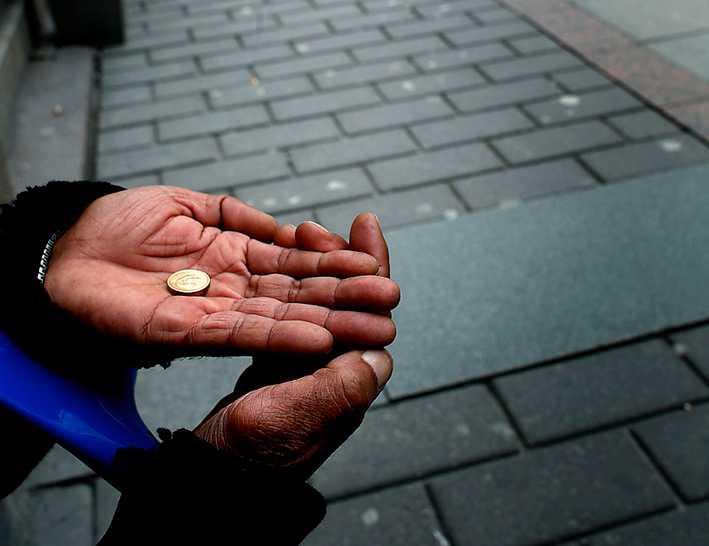 Dagsinkomsten för en tiggare i Sverige ligger på ungefär 80 kronor.