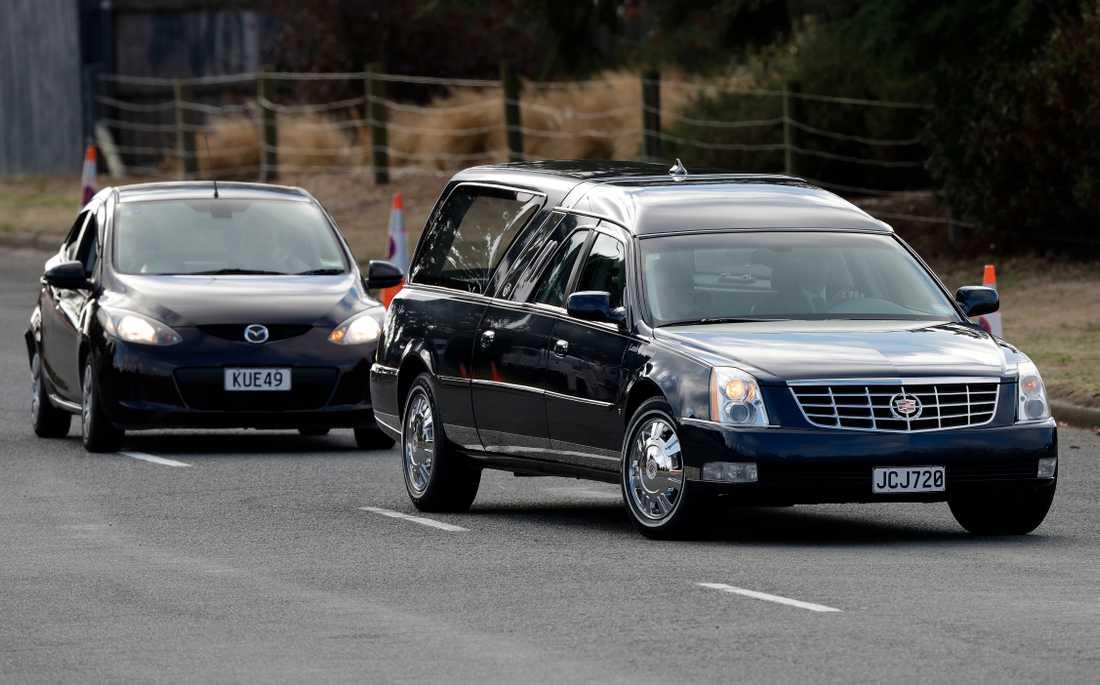 50 personer dog i terrordådet i Christchurch. Nu har några av offren begravts.