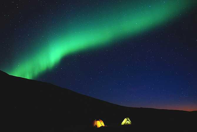 Norrsken. I Abisko har du väldigt bra förutsättningar att se den färgsprakande himlen.