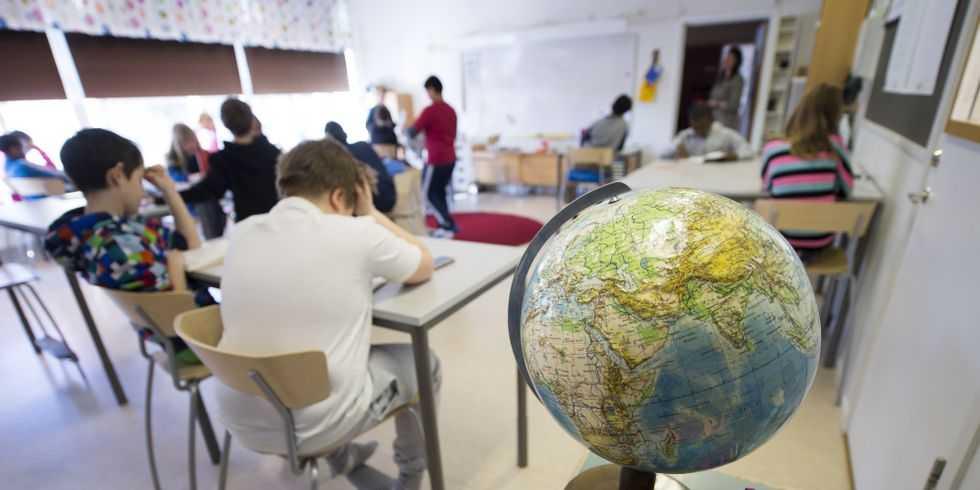 Skapaskolan i Huddinge kommer till nästa läsår införa krav på godkänt prov i ämnena bild eller sång för att få fortsätta på skolan. Arkivbild från en annan skola.