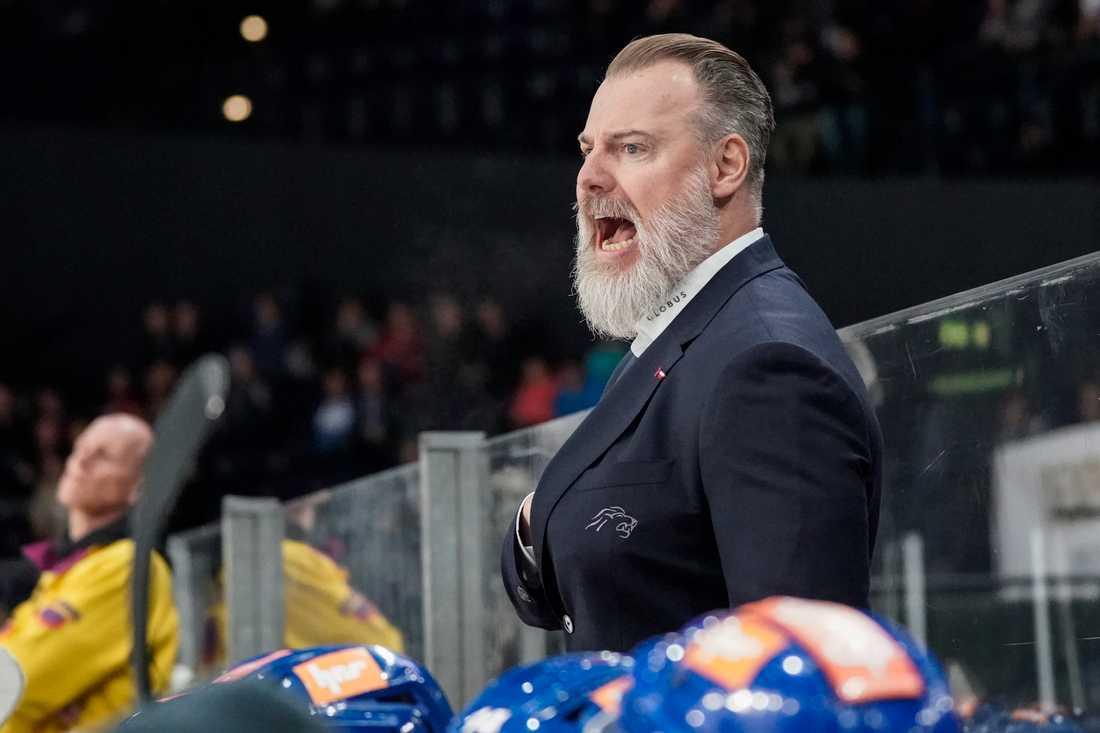 Grönborg coachar i Schweiz nu.