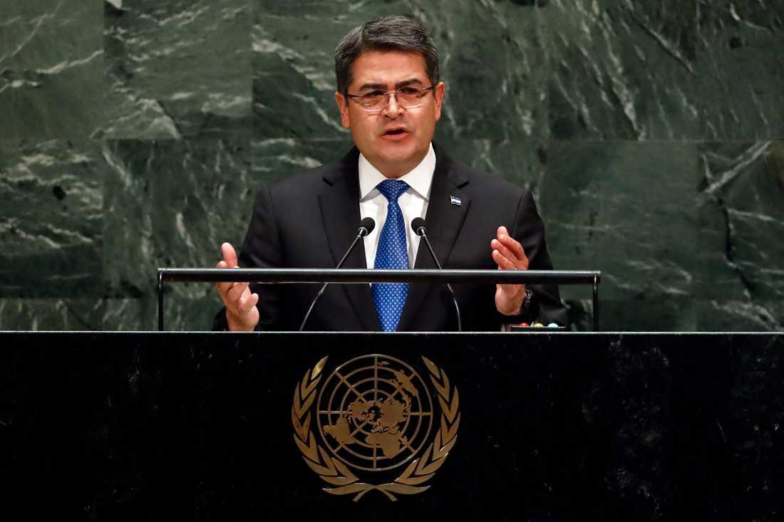 Formellt har Honduras president Juan Orlando Hernández i nuläget inte anklagats för brott. Bild från när han i förra veckan besökte USA och talade i FN:s generalförsamling.
