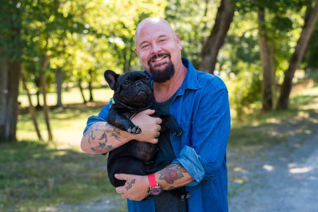 Anders Bagge är en av medlemmarna i Svenska Hjältars jury, och är djur bland det viktigaste i livet.